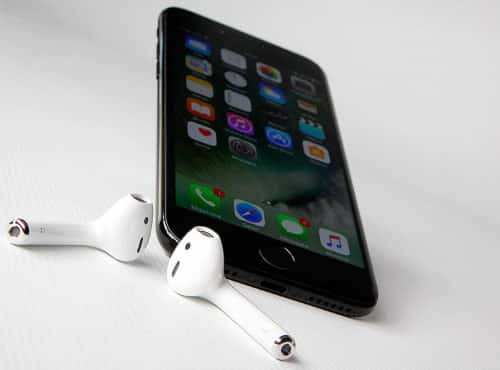 AirPods & iPhone - Blog