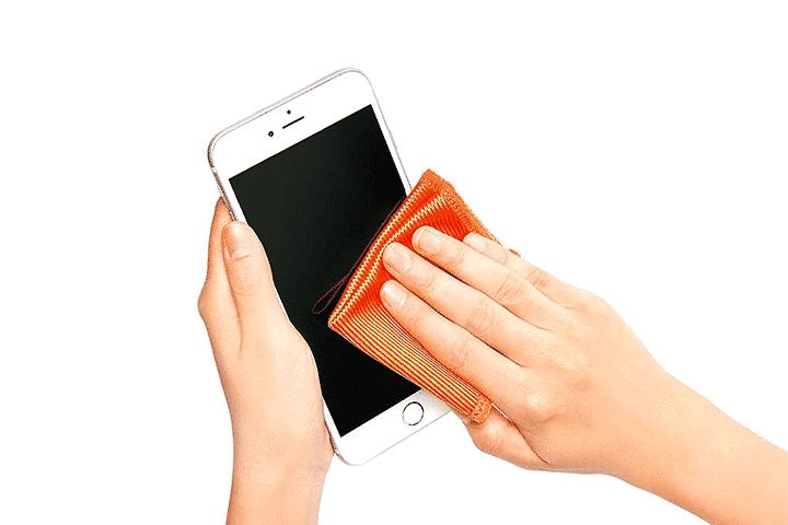 Blog   COVID-19   Comment nettoyer avec efficacité son iPhone ?  McPrice Paris Trocadéro